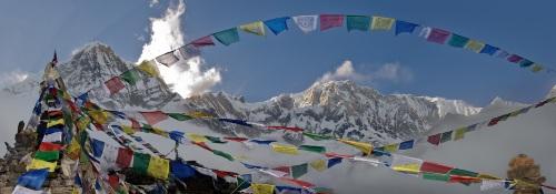 Monumento en el campo base de Annapurna a los escaladores ca�dos.